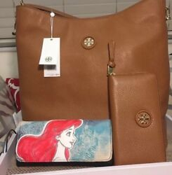Auth Tory Burch Whipstitch Pebble Leather Large Hobo and Wallet In Bark $450.00