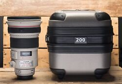 Canon EF 200mm f2 L IS USM Lens - With Kirk Foot & Canon Trunk