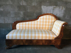 Antique And Elegant Charles X Dormeuse Sofa In Walnut And Walnut Feather