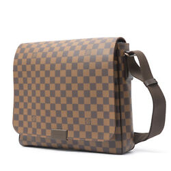 Authentic LOUIS VUITTON Damier District MM Men's Crossbody Messenger Bag N41212