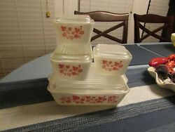 SWEET SET OF VINTAGE GOOSEBERRY PYREX   8 PIECES  NO CHIPS