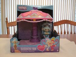 Wowwee Fingerlings Twirl-a-whirl Carousel Playset With 1 Fingerling Monkey--new