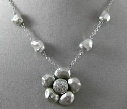 Estate .16ct Diamond 14kt White Gold 3d Handcrafted Flower Hammer Look Necklace