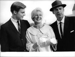 Ginger Rogers Standing With Her Husband William Marshall And Son Smiling. - 8x1