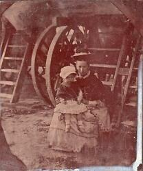 Orig Victorian Tintype / Ferrotype Photo C1860's Mother And Child At Seaside