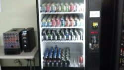 Vending Machine Dixie-narco Dn9951 Cans And Bottle Trays Installed.