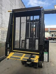 Braunability Ncl Centry Series 2 Commercial Wheelchair Lift