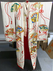 Exceptional Embroidered Vintage Japanese Ceremonial Kimono