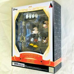 King Mickey Kingdom Hearts Iii Bring Arts Action Figure By Square Enix
