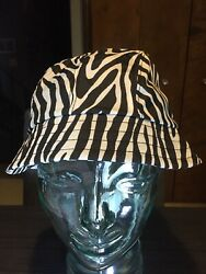 TOTES Women's Rain Hat Zebra Print Bucket Style White And Black Pattern $8.99