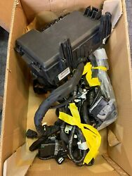 Ford Oem Fuse Box/relay-engine Harness Hl3z12a581e Hl3t12a581aaf New