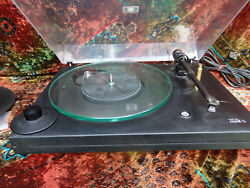 Music Hall MMF-5 Vinyl LP Record Player Turntable w Goldring 1012GX Moving magn
