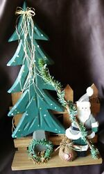 Pre Owned Rustic Wooden Santa Christmas Tree Mantle Shelf Sitter Decoration