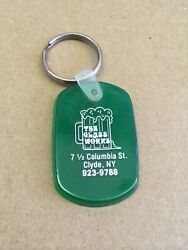 Vintage The Glass Works Bar Green Rubber Keychain, Clyde, Ny, 2.25