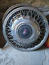 Two 1989-1991 Oldsmobile 88 / 98 4104b 14 Wire Hubcap Wheel Cover Gm 25534041