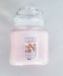 YANKEE SCENTED CANDLE IN SWEET PEA MADELEINES 411 G NEW UNUSED