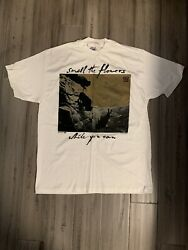 U2 One Smell The Flowers While You Can Tour T-shirt Vintage New Never Worn