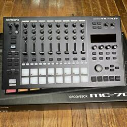 Roland Mc-707 Groovebox Free Shipping Arrive Quickly