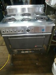 Garland Commercial Electric Range 6 Burner Stove Top W/ovenandbroiler. Restaurant