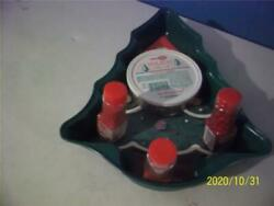 Brand New W/instruction Sheet Wilton Green Christmas Tree Pan And Cake Decorations