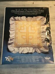 NEW Vintage Chicken Scratch Kit #3103 Tulips Pillow Kit by Valiant