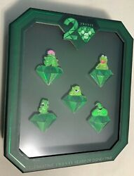 New Disney 20 Years Of Trading Pin Event We're All Green Here Set Le 250