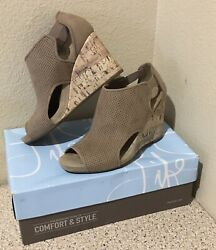 New Life Stride Soft System Peep Toe Wedge Size 6m