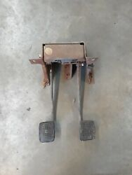 And03973 - And03979 Ford Truck Clutch And Brake Pedal Assembly F600 F700