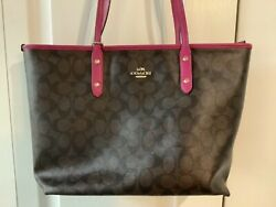 coach leather tote bag $90.00