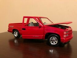 Motormax 1992 Chevy 454 Ss Pickup Toy Truck Red Scale 124