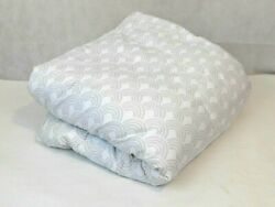 Target Room Essentials Gray and White Scallop Print Comforter Size Full Queen