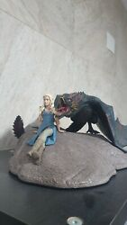 Game Of Thrones Daenerys And Drogon Statue Limited Edition