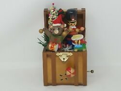Enesco Toyland Trunk 7 Wooden Musical Box Christmas Vintage 1983 Toy