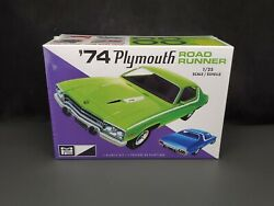 Mpc '74 Plymouth Road Runner 125 Scale Plastic Model Kit 920 New In Box