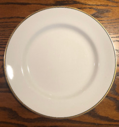 Set Of 12 Grosvenor China Dinner Plates By The Johnson Brothers