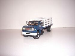 Dcp First Gear 1/64 Blue Cab White Stake Side Gmc 6500 Single Axle Truck