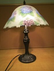2005 Glynda Turley Hand Painted Glass Shade Floral Hydrangea Table Lamp