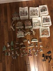Homco Pleasant Hill Christmas Village Collectable Houses And Figurines Lighted Lot