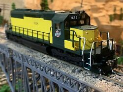 Ho Scale Kato Emd Sd40 Dcc W/sound Cnw Chicago And North Western Kadee Detailed