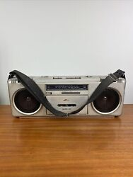 Vintage Pioneer Sk-210 Boombox Cassette Am/fm Radio With Strap Japan With Aux