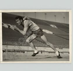 Runner Vic Williams Trains For Olympics Track And Field Sports 1932 Press Photo