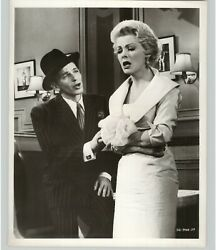 Frank Sinatra And Vivian Blaine In Guys And Dolls Film Movie 1955 Press Photo