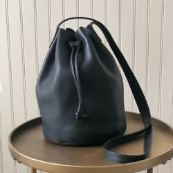 BAGGU LEATHER CROSSBODY BUCKET BAG NATURAL MILLED LEATHER BLACK EUC $79.95