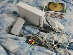 Nintendo Wii System W/ - 5 Games Controllers Gamecube Backwards Compatible