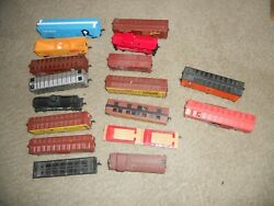 Huge Lot Of 17 Tyco Vintage New Ho Scale Trains Cars
