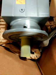 Lenze Gst11-2m Vck 180c32 Geared Motor Gst Size 11 - New In Box