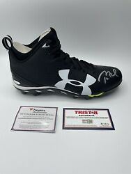 Tom Brady Autographed Football Cleat Under Armour Dual Certification Tristar/fan