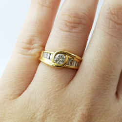 18ct Gold 0.87ct Tdw Round And Baguette Diamond Ring Val 6550 Size L 32469
