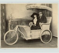 Man And Woman In Covered Bicycle Basket Rickshaw Chicago 1930s Press Photo