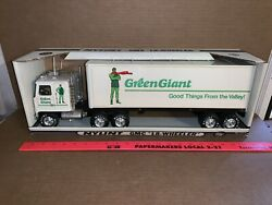 Vintage Nylint Steel 21 Inch Long 18-wheeler Green Giant Semi With Box